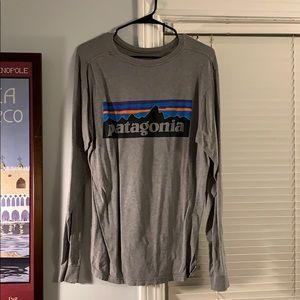 Men's medium gray Patagonia long sleeve shirt